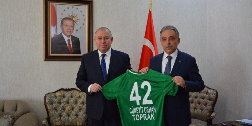 Atiker Konyaspor'dan Vali Toprak'a hayırlı olsun ziyareti