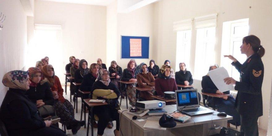 Beyşehir'de jandarmadan kadınlara seminer