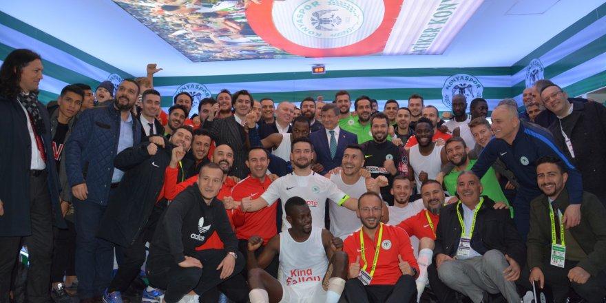 Davutoğlu Atiker Konyaspor'u yalnız bırakmadı