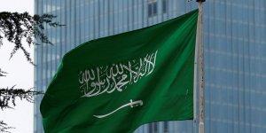 Suudi Arabistan ilk iletişim uydusunu uzaya fırlattı