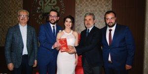 Gazeteci Seda ile Esat,  dünya evine girdi