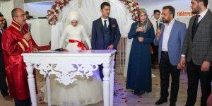 Başkan Kavuş ilk nikahı kıydı
