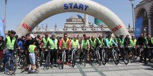 Şehitler için bisikletli halk yürüyüşü yapıldı