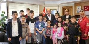 Ereğlili çocuklardan Oprukçu'ya ziyaret
