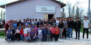 NEÜ köy okullarına yardım yaptı