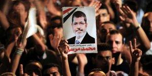 Şehit Mursi Kahire'de defnedildi