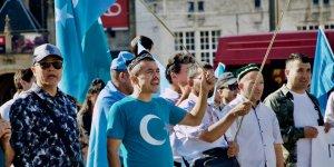 Uygur Türkleri için dünya imzaladı! Türkiye imzalamadı!