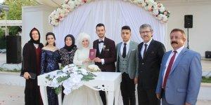 Ertürk ve Ersözlü ailesinin mutlu günü