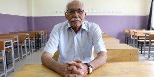 71 yaşında üniversiteli oldu