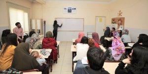 Şehitkamil'de açık öğretim kursları başladı