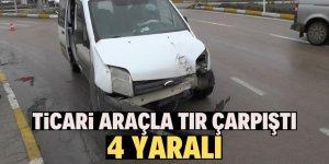 Konya'da ticari araç ile tır çarpıştı: 4 yaralı