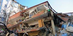 Çöken binanın çevresindeki binalarda büyük hasar meydana geldi
