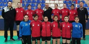 Aksaray'ın adını Küçük Kızlar Hentbol Takımı Türkiye Şampiyonluğuna taşıdı