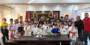 Şampiyon judoculardan başkan Tutal'a ziyaret