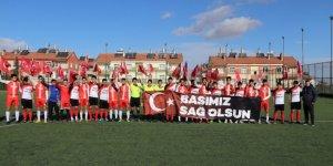 """Karaman'da sporcular """"Başımız Sağ Olsun"""" pankartı açtı"""