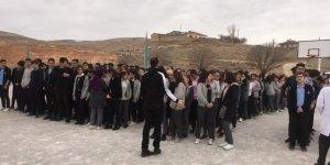 Yunak okullarında  deprem tatbikatı