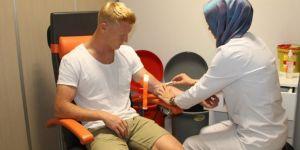 Jens Jonsson, sağlık kontrolünden geçti