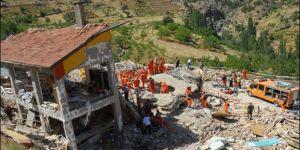 Taşkent'te çöken yurt binasının davası ertelendi