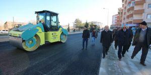 Başkan Özaltun, sıcak asfalt çalışmalarını inceledi