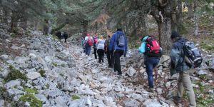 Beyşehirli doğa tutkunlarından doğada teröre lanet yürüyüşü