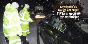 Seydişehir'de trafiğe kar engeli