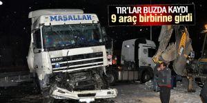 Buzlanma sonrası meydana gelen zincirleme kazada 9 araç birbirine girdi