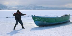 """Avlanmaya """"paydos"""" diyen balıkçılar lodos bekliyor"""