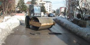 Beyşehir'de tahrip olan yollar onarılıyor