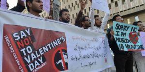 Pakistan'da 14 Şubat yasağı