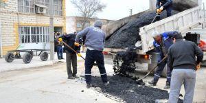Akşehir'de yollardaki onarım ve tadilat çalışmaları sürüyor