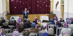 Aileler çocuklarına namazı öğretmeli