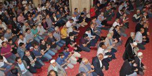 Vatandaş Camilere akın etti