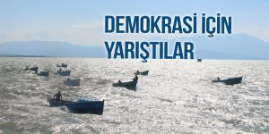 """Balıkçı tekneleri """"demokrasi"""" için yarıştı"""