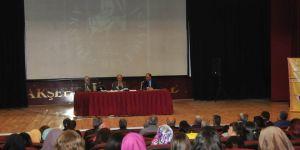 Nasreddin Hoca konferanslarla anılıyor