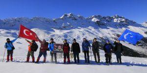Şehit Fethi Sekin anısına Küpe Dağı'na tırmandılar