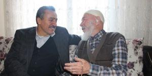 Başkan Tutal'dan 95 yaşındaki Hasan dedeye ziyaret