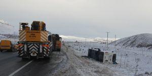 Konya'da yolcu otobüsü devrildi: 38 yaralı