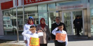 İlkokul öğrencileri Mehmetçik için kermes düzenledi