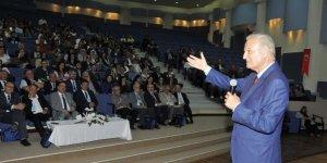 Selçuk'ta 'Doğa-İnsan İlişkileri Konferansı' gerçekleştirildi