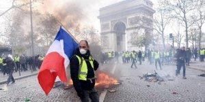 Fransa'da akaryakıt zammı ortalığı karıştırdı