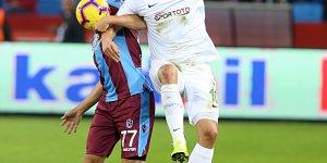 Spor Toto Süper Lig: Trabzonspor: 0 - Atiker Konyaspor:0 (İlk yarı)