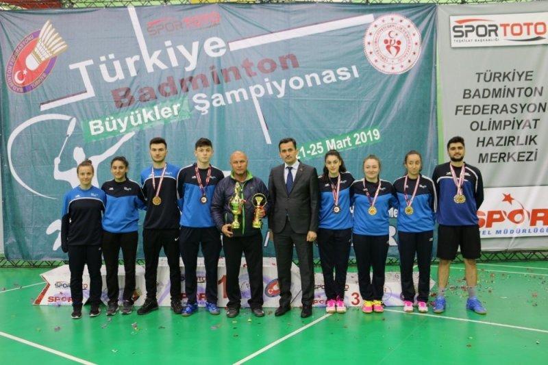 Badminton Şampiyonası'na Erzincan damgasını vurdu