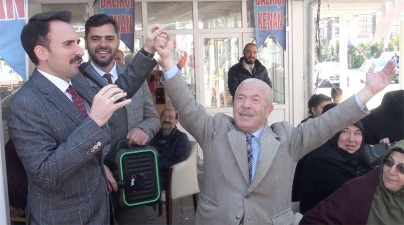 """Beylikdüzü adayı Mustafa Necati Işık: """"Deniz otobüsü benden, balıklar Kenan Abi'den"""""""