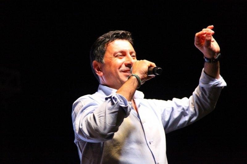 Bodrum'da Ahmet Aras sevgisi git gide büyüyor