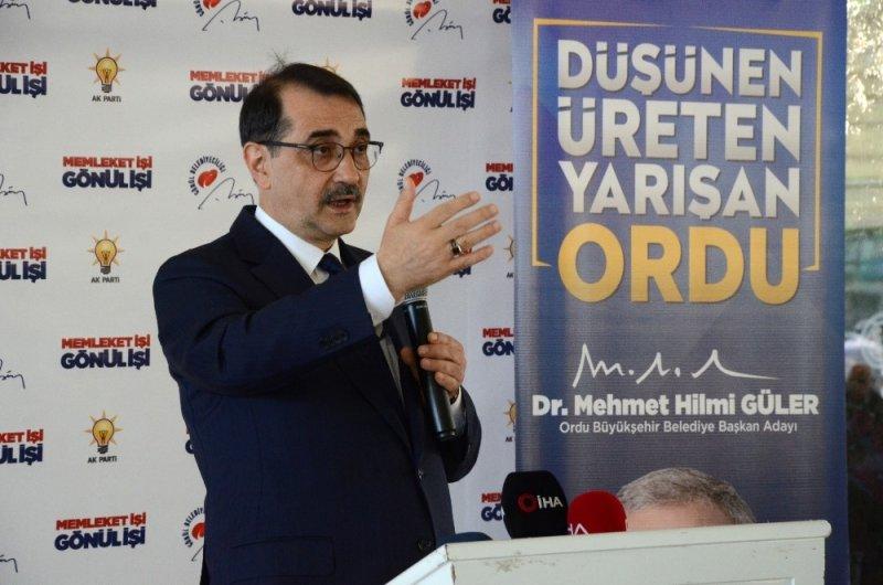 """Bakan Dönmez: """"İstiklalde ıslık çalanlar, Anadolu'da miting yaparken ezan okununca susuyor"""""""