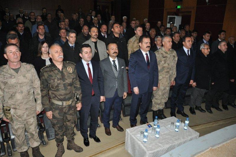 Yüksekova'da muhtarlar toplantısı