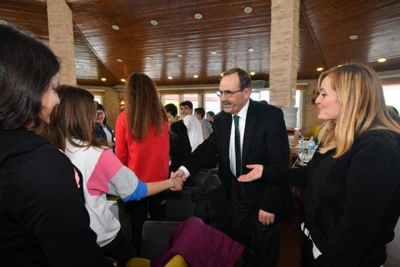 Başkan Şahin, İstanbul'dan gelen 'İyilik Melekleri'ni ağırladı