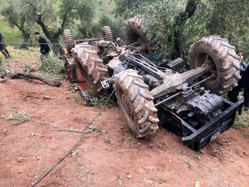 Musabeyli'de traktör devrildi: 1 ölü