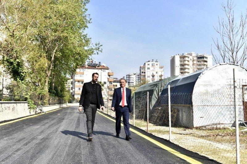 Uysal, Kırcami'de imar planına bağlı ilk asfalt çalışmasını inceledi
