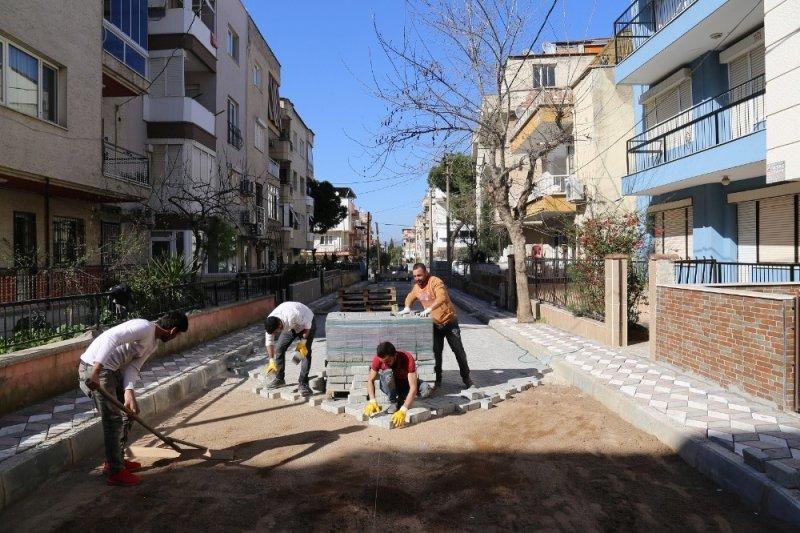 Turgutlu'nun Cumhuriyet Mahallesi'ne 68 bin metrekare parke döşendi